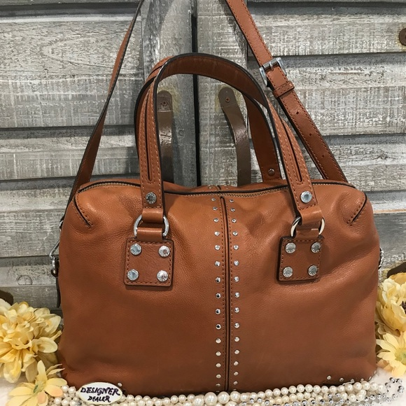 1562d9c0ee1c MICHAEL KORS Astor Studded Leather Satchel Brown. M 5c7842fe819e90ed5f32648c